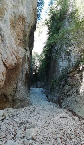 falaise raid des dentelles vaucluse gorges de la nesque